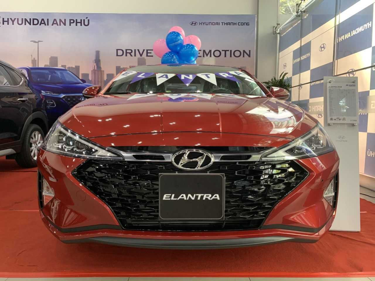 Read more about the article Hyundai Elantra 2019 Đỏ